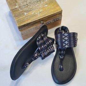 NWOT Sanuk black & gray yoga sling thong sandals